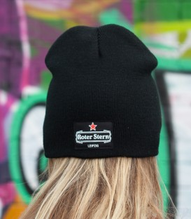 Beanie-Red-Star-green